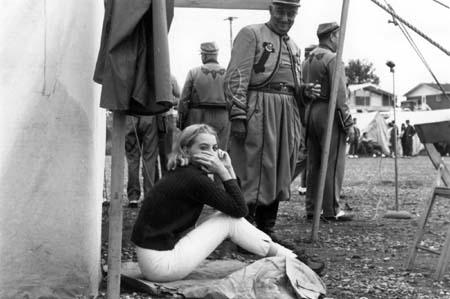 Photo de tournage d'AVEC TAMBOURS ET TROMPETTES de Marcel Carriète (1967)