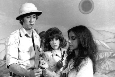 André Dubois, Louise Forestier et Carole Laure dans IXE-13 de Jacques Godbout (1971)