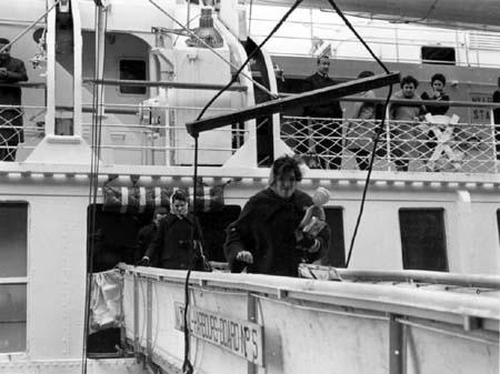 POUR QUELQUES ARPENTS DE NEIGE de Jacques Godbout et Georges Dufaux (1962)
