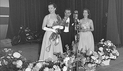 Miss Cinéma Jacqueline Gilbert, R. Dary et P. Roc le soir de la première