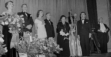 Une première n'est pas réussie dans l'O Canada : N. Germain, P. Gury, S. Avon, R. Germain, X, Paul L'Anglais