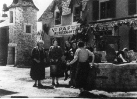 Sur la place du village, le plus gros décor du film