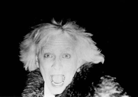 Michel Côté, l'albinos d'AU CLAIR DE LA LUNE de Marc-André Forcier (1982) Photographie P. Beaudin, J. Caron