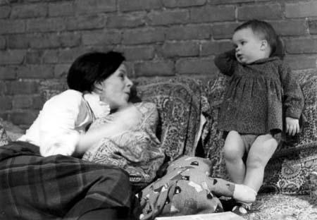 MOTHER TONGUE de Derek May (1979) Coll. Cinémathèque québécoise