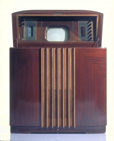 Télévision bHM275 Musaphonic General Electric, États-Unis, 1939. © Cinémathèque québécoise/Collection Moses Znaimer