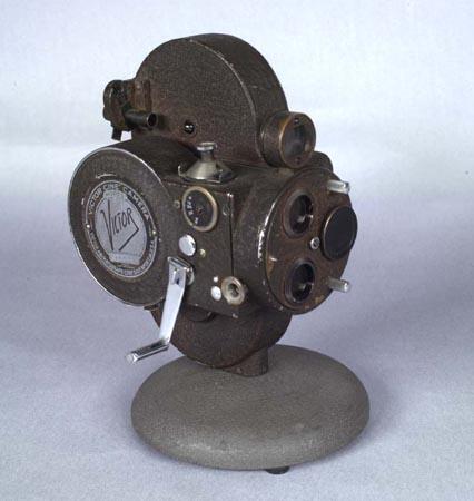 Victor Animatograph Corp., No. 4, caméra 16mm, 1994.0277.01-04.AP